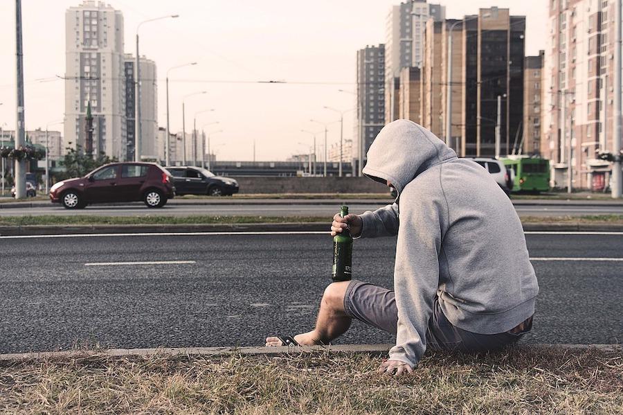 アルコール依存症の男性