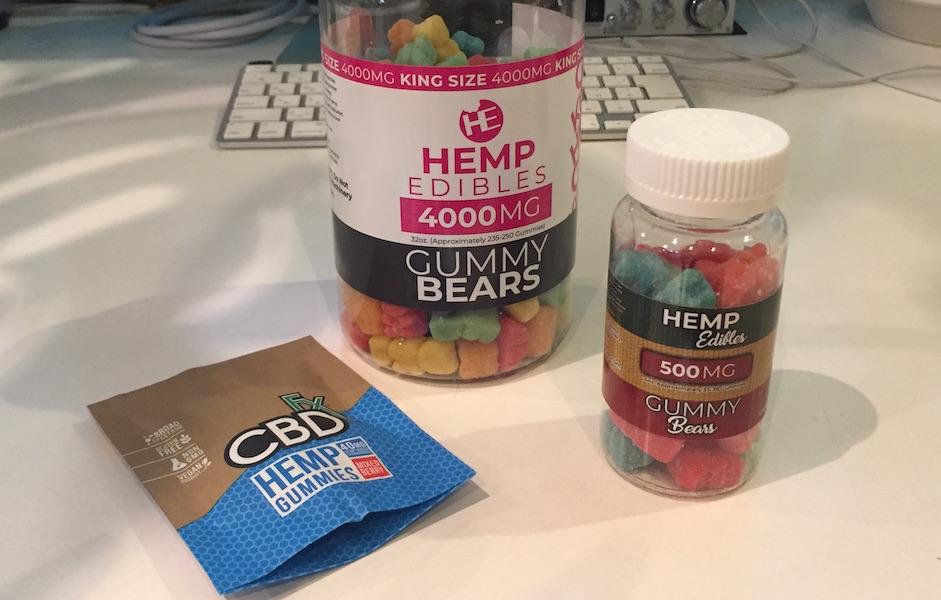 gummy bearsとCBDfx Gummiesの比較写真