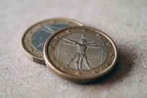 表と裏二枚のコイン