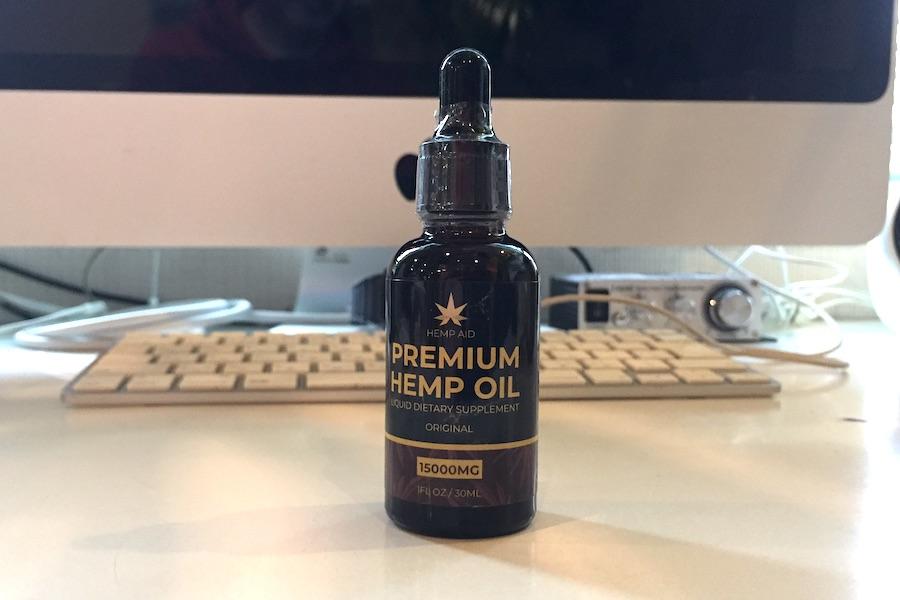 実際のアメリカ製premium hemp oilの実際の写真
